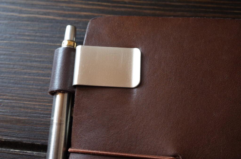 トラベラーズノート茶色(パスポートサイズ)の経年変化